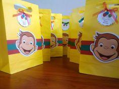 centros de mesa jorge el curioso - Buscar con Google Monkey Birthday Parties, Birthday Party Themes, Boy Birthday, Birthday Board, Themed Parties, Birthday Ideas, Curious George Party, Curious George Birthday, 1st Birthdays