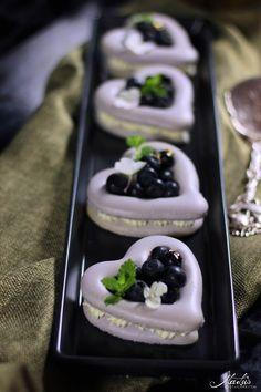 Macaron Herzen mit Blaubeeren | MaLu's Köstlichkeiten