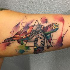 Resultado de imagen para geometric tattoo watercolor turtle