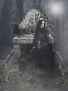 Dark art for our inner demons Gothic Pictures, Gothic Images, Creepy Pictures, Dark Gothic Art, Gothic Fantasy Art, Dark Art, Goth Beauty, Dark Beauty, Dark Fashion
