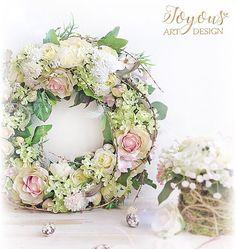 Krasny jarni tyden💕☀️#joyous #flercz #vyrobenosrdcem #jaro #kvetiny #floristika #venec #dekorace #decor #praha #prague #czech #spring #instaflower #flowerlovers #florist #flowers #decoration #design #loveflowers #beautiful #instagood #joy #wreath
