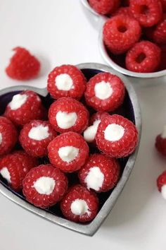 These yogurt filled raspberries are a delicious and healthy snack. Your kids wil. These yogurt filled raspberries are a delicious and healthy snack. Your kids will love to help prepare these (an. Healthy Snacks For Kids, Healthy Treats, Yummy Snacks, Healthy Eating, Yummy Food, Healthy Easy Food, Fruit Snacks, Healthy Midnight Snacks, Healthy Recipes