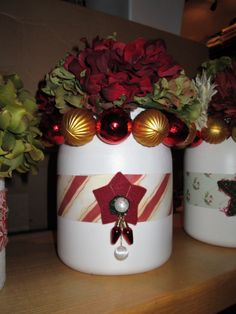 Turn old whey protein containers into festive center pieces.