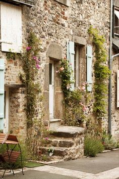 Sainte Suzanne en Mayenne; credit - panier de saison