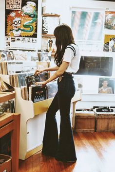 "stormcalysta: "" Throwback from a couple Saturday's ago when I went record shopping. : @rumpelstiltskiin """