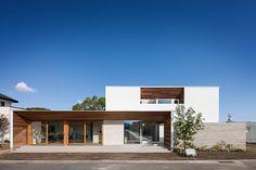 吹き抜けパティオとテラスで開放感あふれる家 | 新潟で建築家とつくる注文住宅|adhouse(アドハウス)