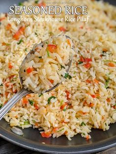Seasoned Rice Pilaf - Longhorn Steakhouse Style — Spiceindiaonline Quick Rice Recipes, Seasoned Rice Recipes, Quick Dinner Recipes, Side Dish Recipes, Pasta Recipes, Longhorn Steakhouse Rice Pilaf Recipe, Rice Dishes, Food Dishes, Rice