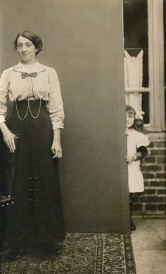 Michel Frizot, Toute photographie fait énigme à la Maison européenne de la photographie. Anonyme, vers 1910. © coll. Part.
