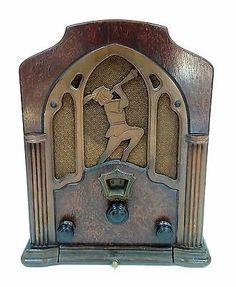 Jackson-Bell-1933-Model-25-AV-Peter-Pan-Cathedral-Vacuum-Tube-Radio-w-Drawer