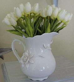 Fresh Touch Mini White Tulips