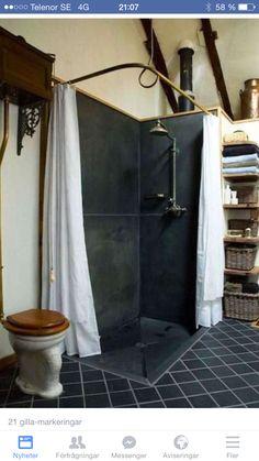 Slate shower bathroom idea with pull toilet Slate Shower, Slate Bathroom, Rustic Shower, Shower Bathroom, Design Bathroom, Basement Bathroom, Shower Pan, Bathroom Ideas, Bathroom Shelves