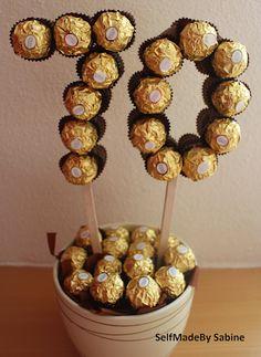 SelfMadeby Sabine: Ferrero Rocher birthday surprise – Birthday Presents 70th Birthday Presents, 70th Birthday Parties, Diy Birthday, Surprise Birthday, Birthday Cake, Ferrero Rocher Gift, Ferrero Rocher Bouquet, Sweet Trees, Chocolate Bouquet