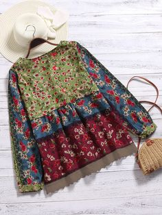 O-NEWE Vintage Floral Printed Patchwork Shirt For Women can cover your body well, make you more sexy, Newchic offer cheap plus size fashion tops for women. Hippie Bohemian, Boho, Jeans Material, Denim Outfit, Couture, Refashion, Vintage Floral, Textiles, Cool Girl