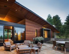 Butte Residence by Carney Logan Burke Architects 01