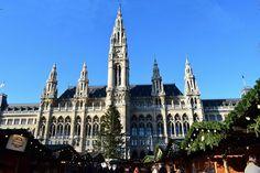 Viedeň za (pol)deň: Absolvujte povinnú jazdu historickým centrom Cologne, Barcelona Cathedral, Building, Travel, Viajes, Buildings, Destinations, Traveling, Trips