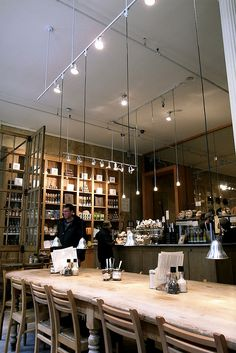Le Pain Quotidien.  Simplicity and homeliness served over les tartines.