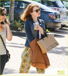 emma stone ready for summer 05 Emma Stone keeps her look bright in a pair of yellow printed pants during a shopping trip on Thursday afternoon (April 2) in Malibu, Calif. The 26-year-old actress…