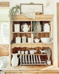 Plate Rack Wall, Dining Room Inspiration, Wood Background, Modern Decor, Natural Wood, Farmhouse Style, Kitchen Dining, Kitchen Remodel, Furniture