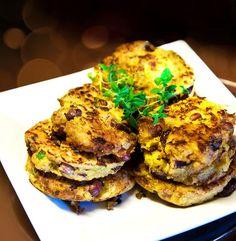6 sorters vegetariska biffar Vegetarian Lunch, Vegetarian Recipes, Raw Food Recipes, Healthy Recipes, Plant Based Diet, Food Inspiration, Love Food, Food Porn, Food And Drink