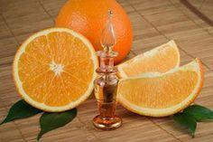 Aprende a preparar en casa aceite esencial de naranja a partir de las cáscaras de la deliciosa fruta.