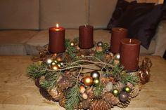 . Flower Decorations, Christmas Decorations, Table Decorations, Advent Wreaths, Bouquet, Seasons, Flowers, Home Decor, Crowns