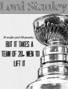 The Stanley Cup weighs just 34 pounds, but it takes a team of men to lift it. Blackhawks Hockey, Hockey Teams, Chicago Blackhawks, Hockey Players, Ice Hockey, Hockey Stuff, Lord Stanley Cup, Hockey Rules, Red Wings Hockey