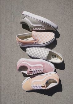 Which type of Vans would you choose? If I had to choose I would pick the light g Fila Shoes Outfit choose Light Pick Type Vans Tenis Vans, Vans Sneakers, Sneakers Fashion, Fashion Shoes, Fashion Clothes, Trendy Fashion, Women's Vans, Tomboy Fashion, Fashion Fashion