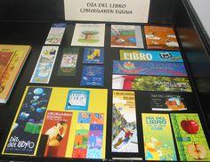 Material promocional para el Fomento de la Lectura en Navarra: selección de marcapáginas y pegativas relacionados con el Día del Libro, editados por el Servicio de Bibliotecas.