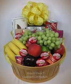 A 'Get Well Soon' Gift Basket that is a sure to help recovery! Homemade Gift Baskets, Gourmet Gift Baskets, Diy Gift Baskets, Homemade Gifts, Basket Gift, Candy Gifts, Jar Gifts, Chocolates, Get Well Baskets
