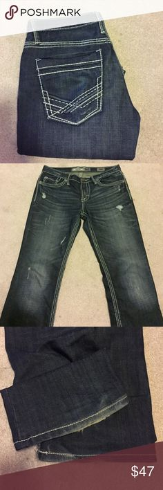 Mens BKE Aiden Denim 30R Mens BKE Aiden Denim . Size 30R . Medium wash . Good condition , there is wear at the bottom of the hems ( shown in photo ) but otherwise still a great pair of jeans ! Make me an offer I can't refuse !! 😊 BKE Jeans Slim