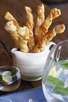 Kaas-strooitjies (V) | SARIE | Cheese straws Meat Platter, Food Platters, Yummy Drinks, Delicious Desserts, Yummy Food, Sweet Recipes, Cake Recipes, Dessert Recipes, South African Recipes