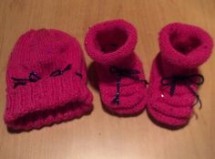 Booties and hat for a baby in Florida