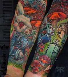 No photo description available. Disney Tattoos, Disney Sleeve Tattoos, Peace Tattoos, Body Art Tattoos, Full Tattoo, Arm Tattoo, Tattoo Studio, Vintage Clock Tattoos, Quarter Sleeve Tattoos