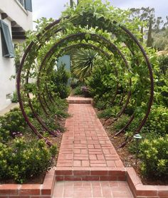 diy garden Amazing DIY arches design 23 ways to highlight your garden Garden Types, Diy Garden, Garden Trellis, Dream Garden, Garden Paths, Garden Projects, Garden Art, Garden Crafts, Herb Garden