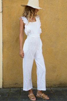 Casual white jumpsuit with cute ruffled trim. Jumpsuit Outfit, Casual Jumpsuit, White Jumpsuit, Best Outfit For Girl, Girl Outfits, Fashion Outfits, Girl Fashion, Style Fashion, Moda Chic