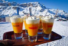 BOMBARDINO Il best-seller delle baite di Valle d'Aosta e Trentino è l'unico cocktail buono anche caldo: panna, zabaione, brandy e caffè, per una pausa calorosa ed energizzante.