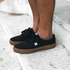 """889133cda92f2 Ska Skate Rock ⠀ #compreinaska on Instagram: """"Esse é o DC Trase pra quem  curte um modelo mais baixinho. Disponível também com a sola branca ou total  black."""