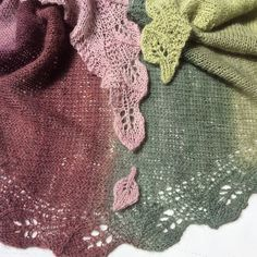 Ooh, I love these colours.Tsumugi's Saroyan in Downton Abbey - free knitting pattern