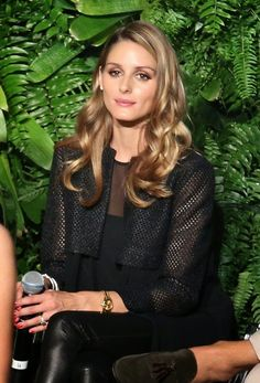 Olivia Palermo she's definitely my dream woman by looks Olivia Palermo Hair, Estilo Olivia Palermo, Olivia Palermo Lookbook, Olivia Palermo Style, Casual Hairstyles, Cool Hairstyles, Winter Mode, Mode Style, Style Icons