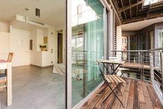 Dai un'occhiata a questo fantastico annuncio su Airbnb: COLOSSEUM LUXURY apt with balcony - Appartamenti in affitto a Roma