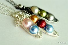 Peas in a Pod #Necklace custom colors with Swarovski Elements pearls #jewelry - by muyinjewelry.com
