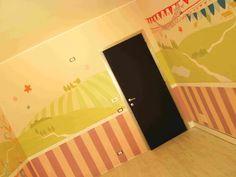 to 360 ° decoration two bedrooms for girls and inner door blackboard effect