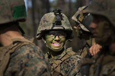 One of the first female Marines to graduate infantry training dons camouflage for field training during the infantry course. Marine Corps photo by Paul S. Mancuso/Released) YOU GO GIRL! Once A Marine, Marine Mom, Us Marine Corps, Female Marines, Us Marines, Women Marines, Women In Combat, Military Women, Navy Seals