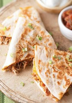 Make these Barbecue Chicken & Cheddar Quesadillas for your family tonight! Serve with sour cream, green onion, and your favorite salsa.