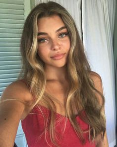 Hair Care Tips That You Shouldn't Pass Up. If you don't like your hair, you are not alone. Hair Inspo, Hair Inspiration, Pretty People, Beautiful People, Beautiful Eyes, Beautiful Women, Model Tips, Natural Hair Styles, Long Hair Styles