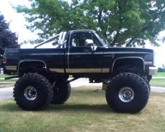 jacked up trucks chevy 87 Chevy Truck, Lifted Chevy Trucks, Chevrolet Trucks, Diesel Trucks, Cool Trucks, Pickup Trucks, Cool Cars, Chevy 4x4, Chevy Pickups