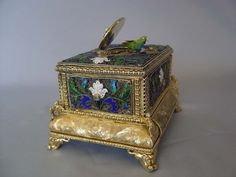 automaton singing bird box in silver filigree and silver gilt with enamel. - Gavin Douglas Antiques