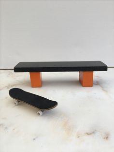 Fingerboard Bench Finger, Art Assignments, Tech Deck, Diy Tech, Skate Park, Skateboards, Deck Benches, Asdf, Cool Stuff