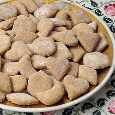 Spelt biscuits with flaxseed (recipe in Czech) Spelt Biscuits, Flax Seed Recipes, Light Desserts, Dog Food Recipes, Ale, Almond, Cookies, Crack Crackers, Ale Beer