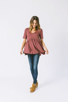 DETAILS: - Perfect day to night blouse - Extremely soft fabric - Wine color - Model is wearing a small